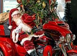 Pictures with Santa on his Harley |  Pennsylvania